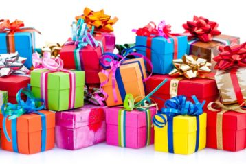 Discover Top 5 Timeless Anniversary Gifts For Parents