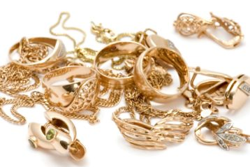 The Ways To Style Gold Color Jewelry